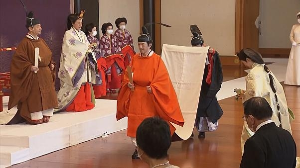 Japanese Emperor Naruhito's younger brother, Crown Prince Fumihito, was formally sworn in as first in line to the Chrysanthemum Throne Sunday (Photo: Euro News)