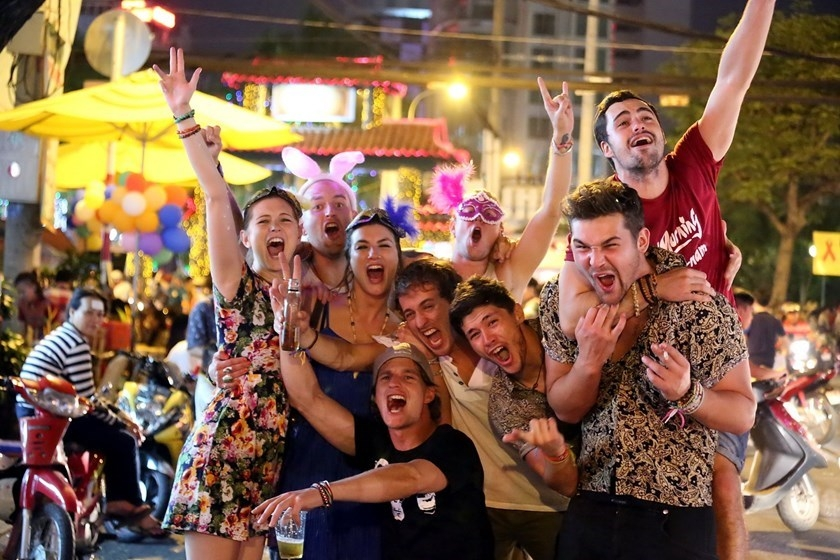 Among over 22,000 expats worldwide responded to the survey, the majority said they were able to quickly adjust to the local lifestyle (Photo: Vietnam Insider)