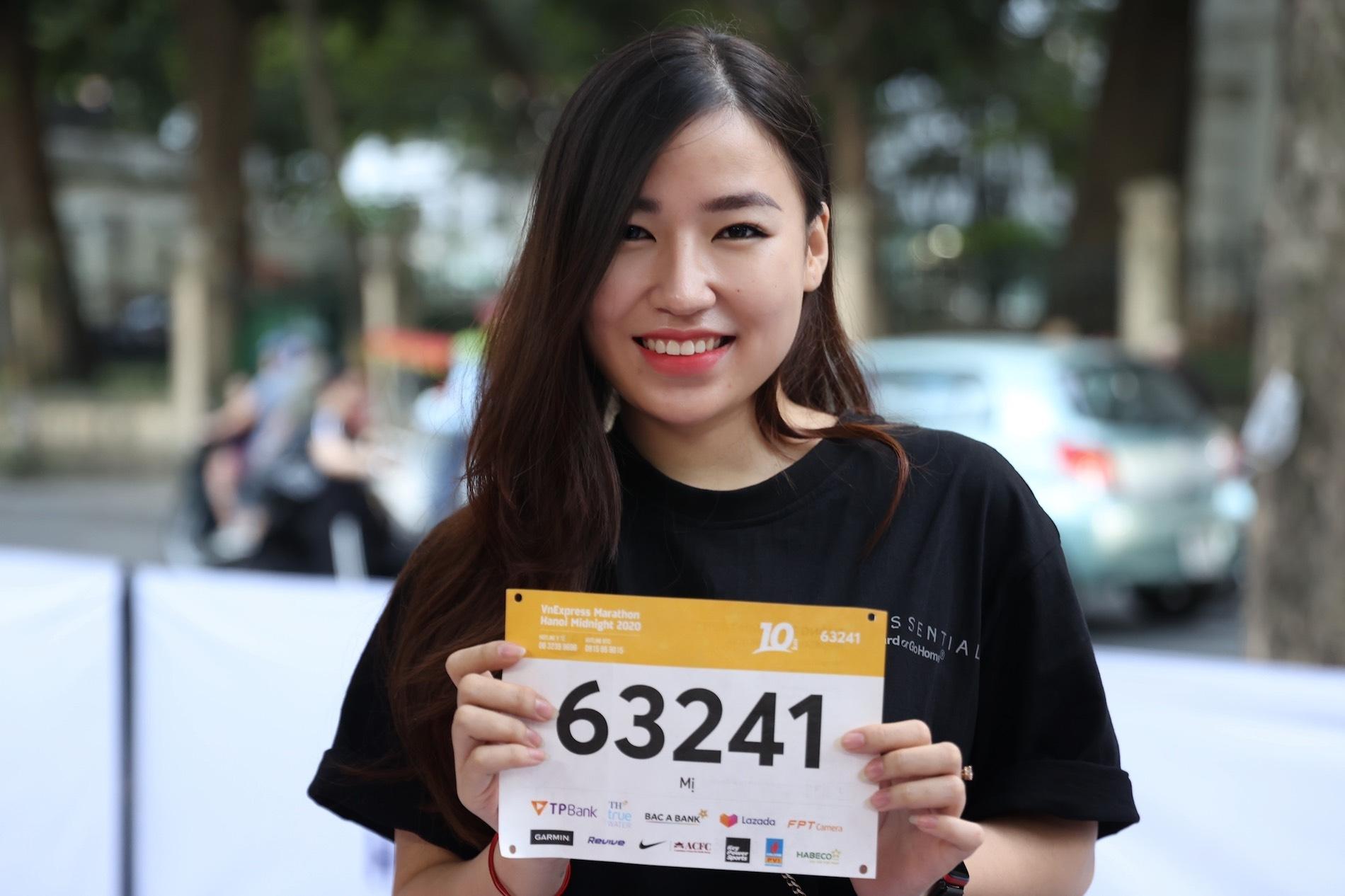Beautiful runners at VM Hanoi midnight race