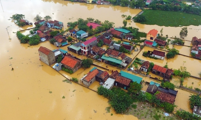 Houses in Central Vietnam inundated in floodwater (Photo: Luat Vietnam)