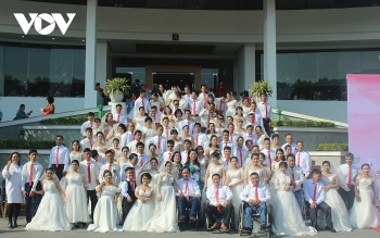 mutual wedding of 46 disabled couples touches the heart of attendants