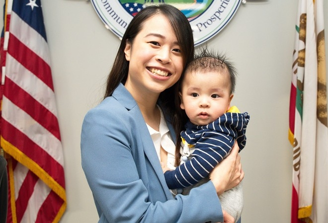 Jocelyn Yow and her son (Photo: CBS)