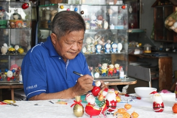 unique christmas items made from eggshell in vietnam