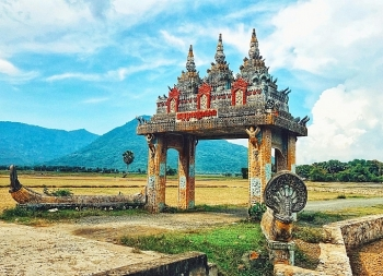Charming endowed beauty of An Giang, southern Vietnam