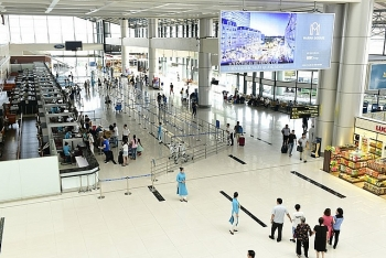 vietnam air passengers figure witnesses tumble in 2020