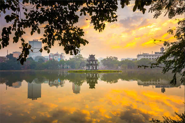 Breathtaking ponds, lakes for iry escapes in the middle of Hanoi