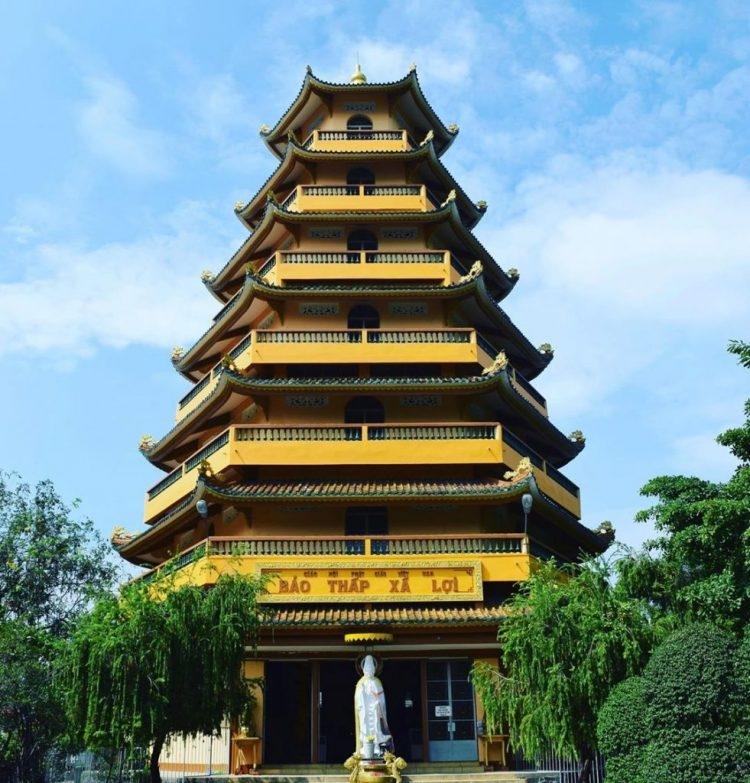 0940-famous-pagodas-in-vietnam-7