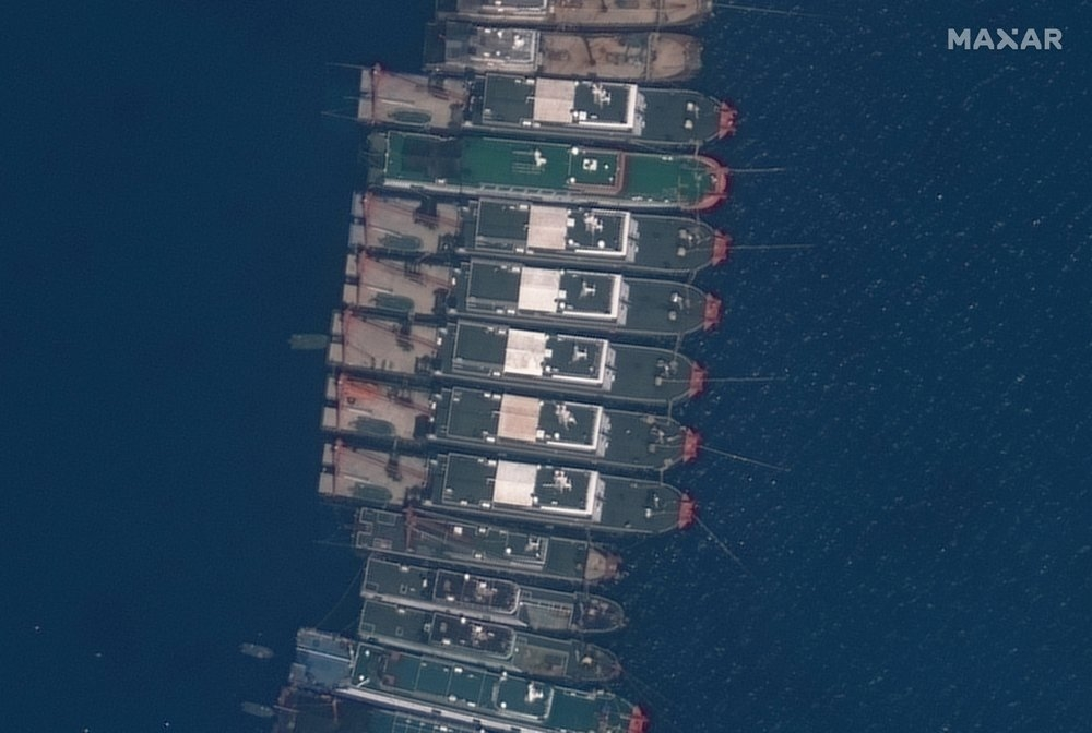 China Urged To Withdraw Ships From Reef In Bien Dong Sea (South China Sea)