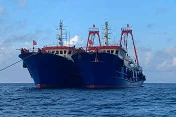 china urged to withdraw ships from reef in bien dong sea south china sea