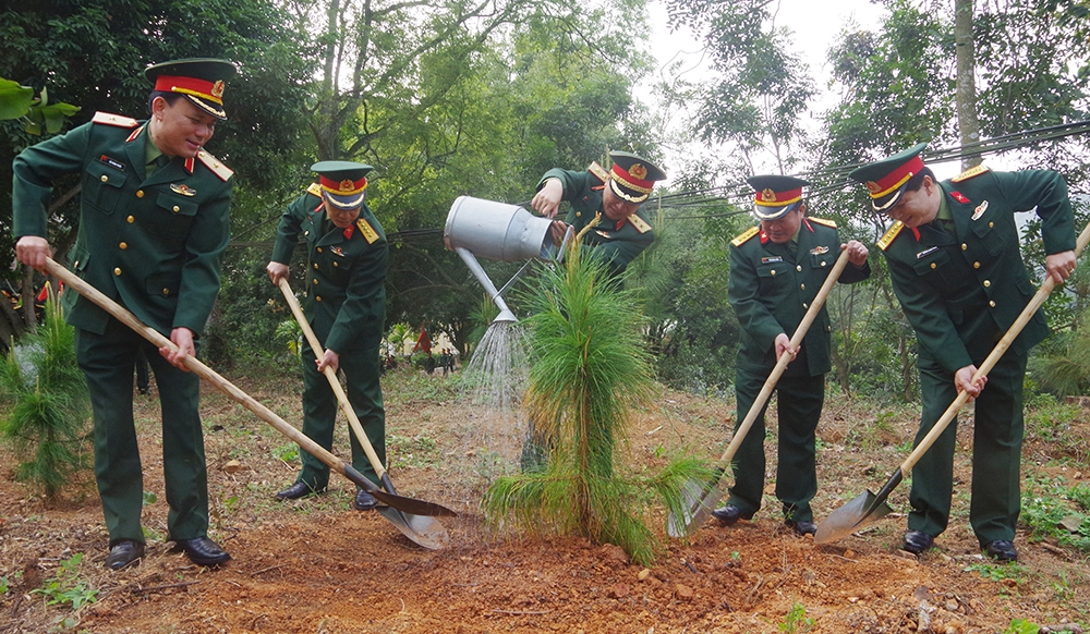 Hanoi to be proud of itself over tree planting success