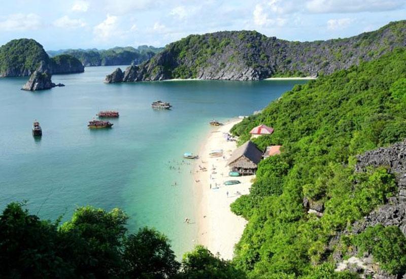 Lan Ha Bay new paradise on earth. Photo: Asianway Travel