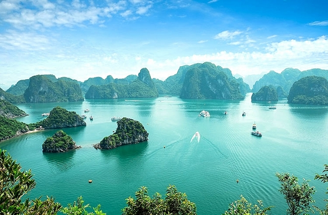 Top 4 breathtaking bays in Vietnam you must visit