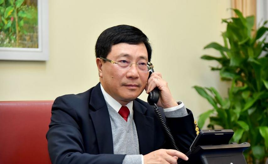 Vietnam Deputy PM Pham Binh Minh held phone talks with US National Security Adviser