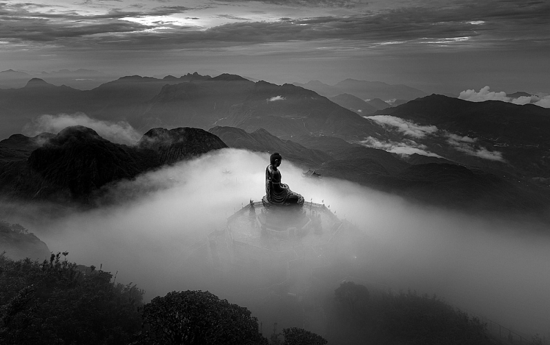 vietnamese photographers win international monochrome awards