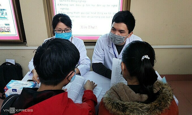 vietnam covid 19 updates jan 22 2 imported cases 10 students volunteer for vaccine trial