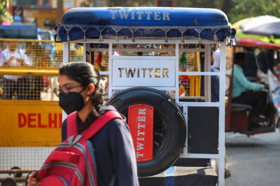 India warns Twitter to impose ban on accounts linked to protests