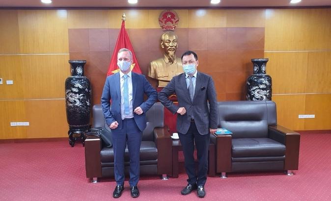 vietnam uk boost trade energy cooperation