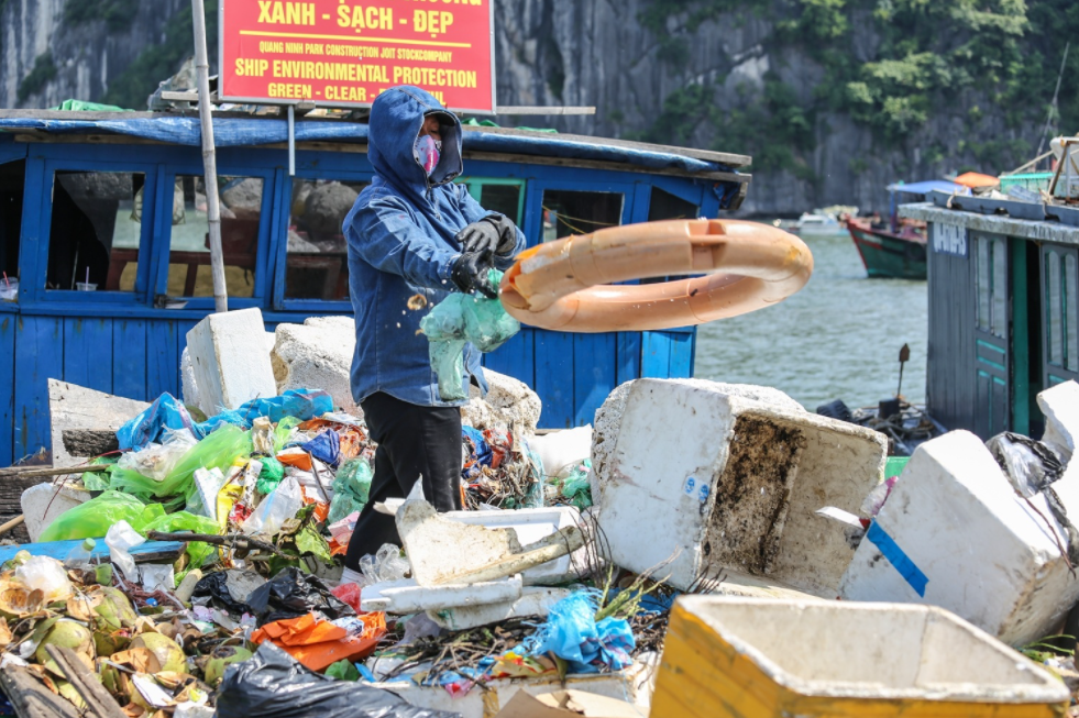 online photo contest of plastic waste launched