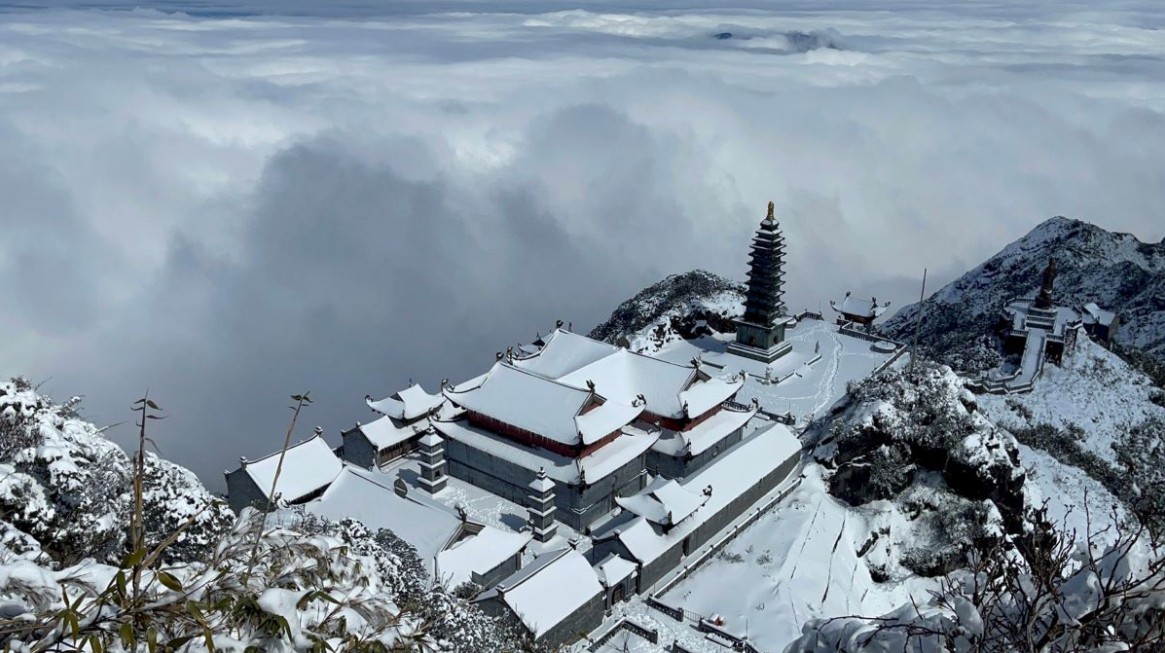 sapa welcomes a white tet as snow covers high north