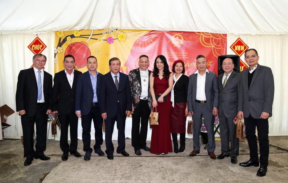Lunar New Year 2021: Oversea Vietnamese join hand supporting homeland during pandemic