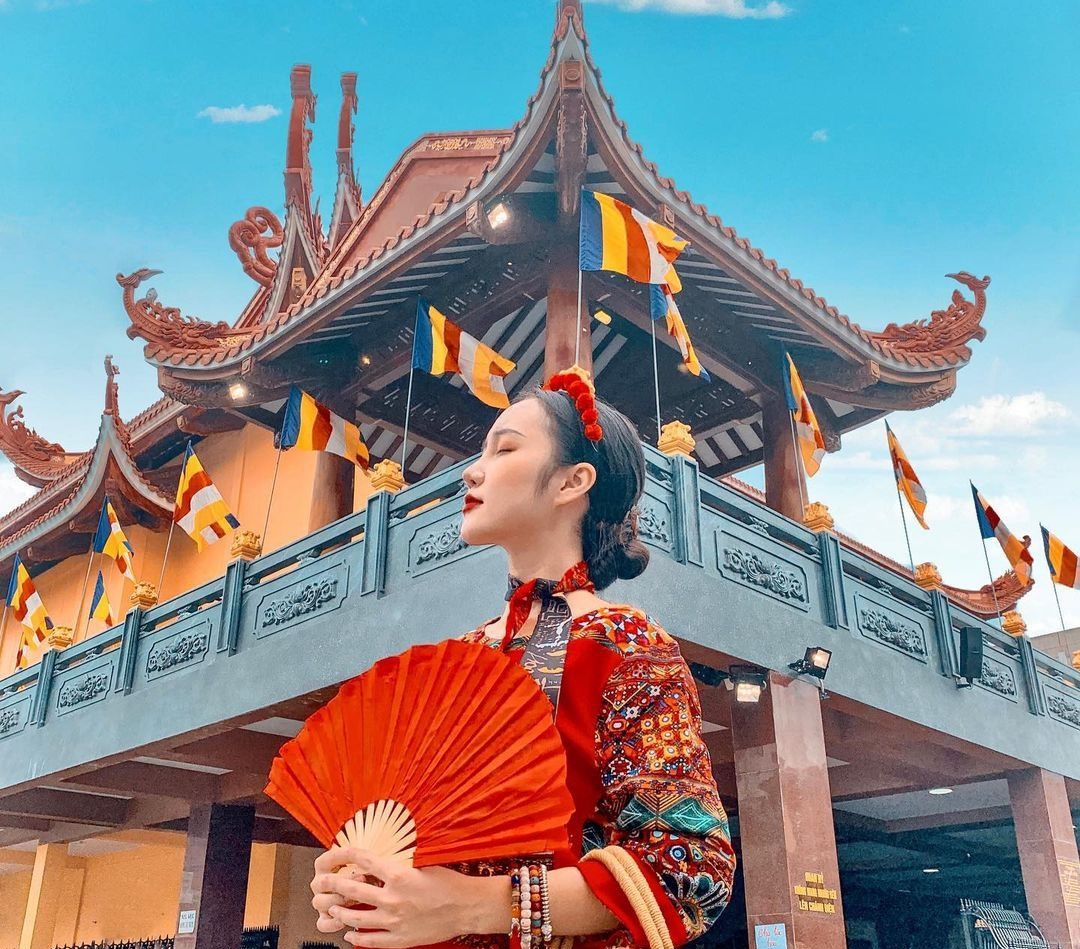 most popular pagodas in hcmc where people flock to wish for a lucky new year