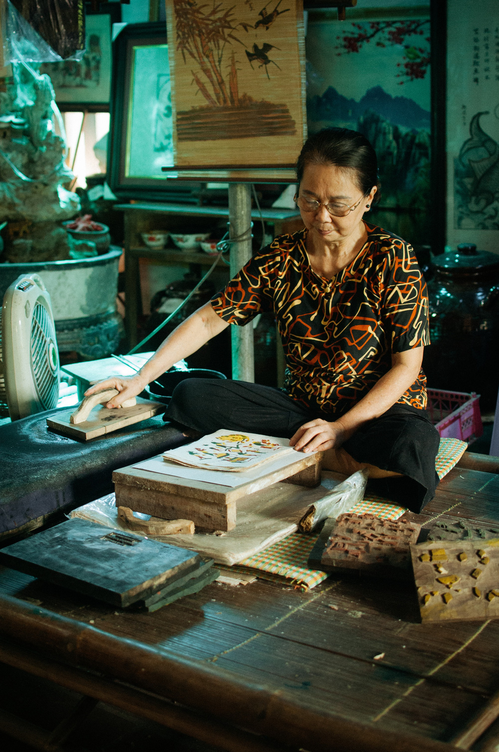 artist preserves and promotes traditional paintings