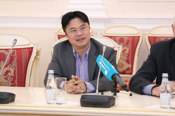 vietnamese awarded saint petersburgs prestigious prize
