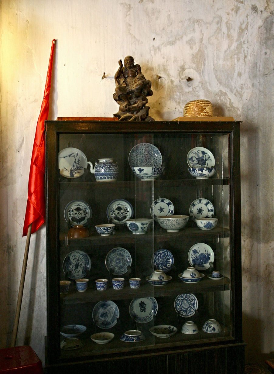Inside an 240 year-old house of Hoi An