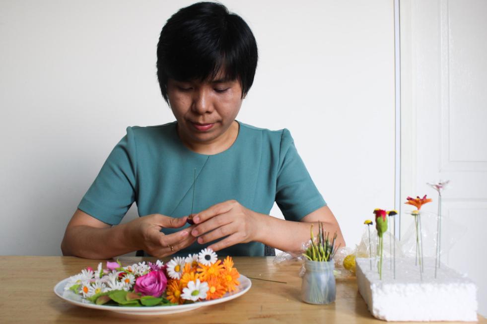Vietnamese woman makes unique