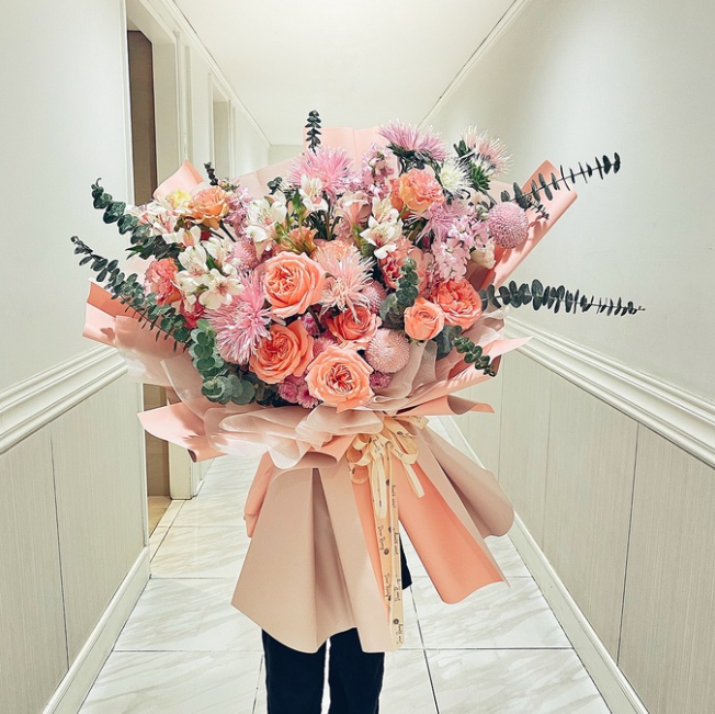march 8 flowers gained big sales despite skyrocketed prices