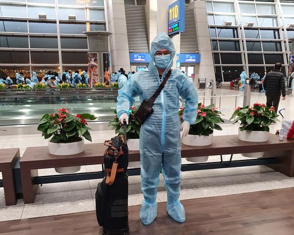 first overseas vietnamese with vaccine passport repatriates