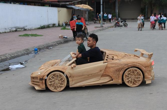 Vietnamese father built wooden Bugatti Centodieci for his son