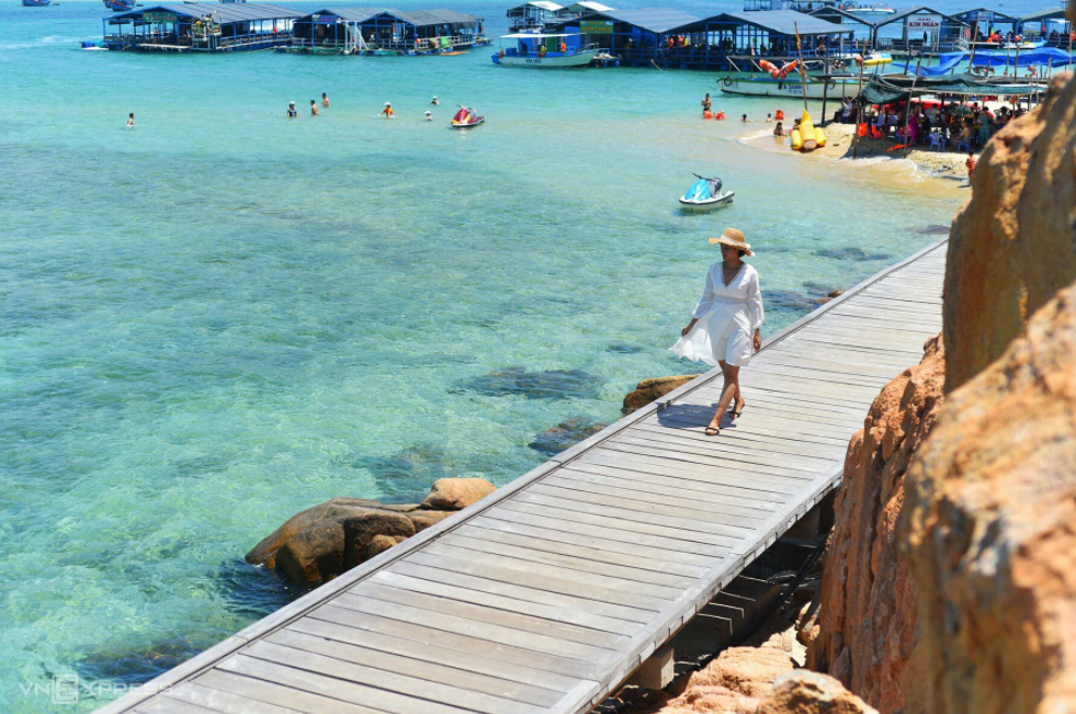 8 best choices of Southern blue beaches for hot summer