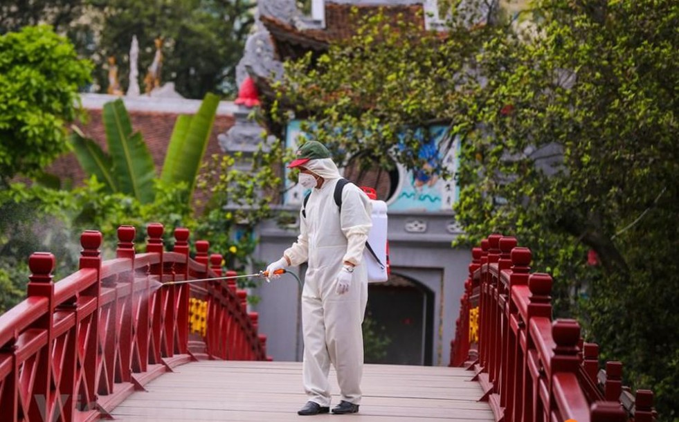 vietnam needs to open borders for tourism recovery experts