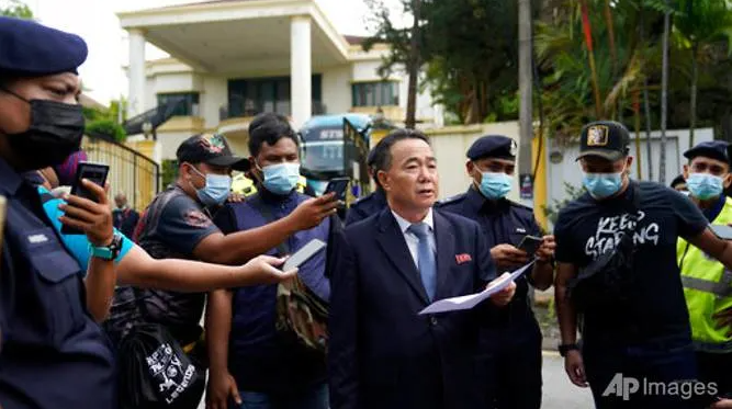 """N. Korean diplomats warned Malaysia of """"committed an unpardonable crime"""" before leaving"""