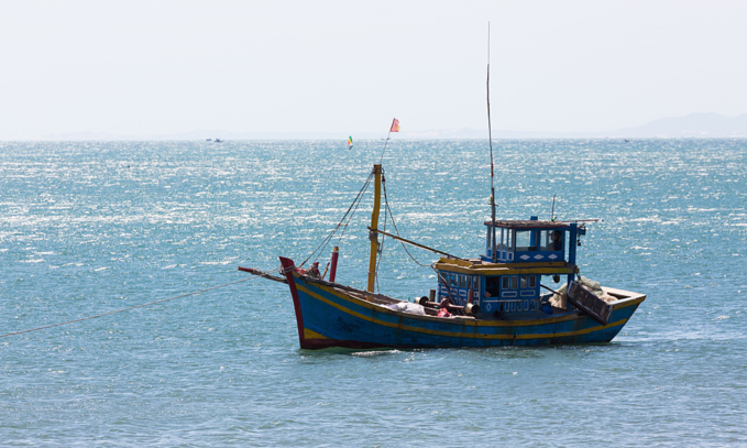 vietnam requests indonesia to release fishing vessels crew