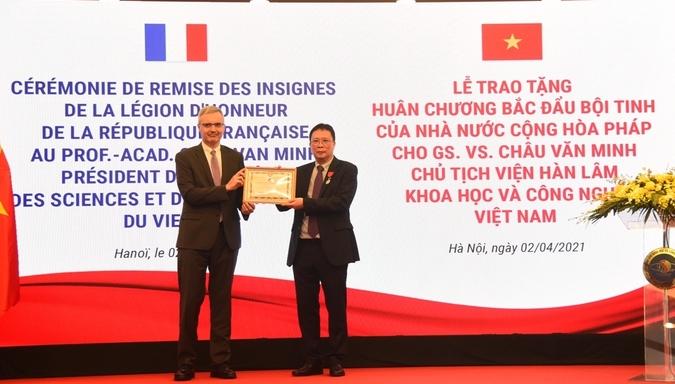 Vietnamese scholar earned France's Legion of Honor