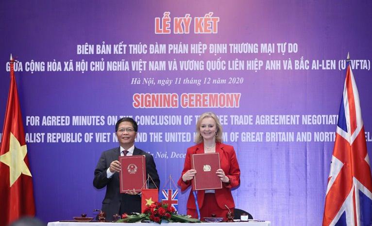 Vietnam - UK published book on UK market to promote UKVFTA