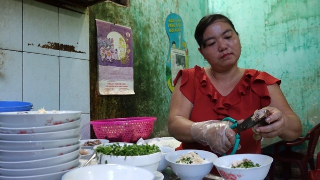 'Pho' restaurant that sells 500 bowls a day, prices unchanged for 16 years