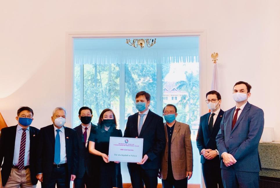 Vietnamese in Poland: Sharing spirit in the ranging pandemic