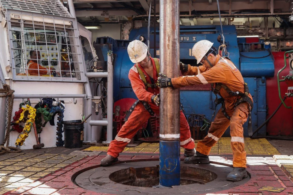 Japan targets Vietnam for first ASEAN oil-sharing deal