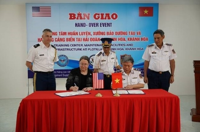 US hands over training center to Vietnam Coast Guard