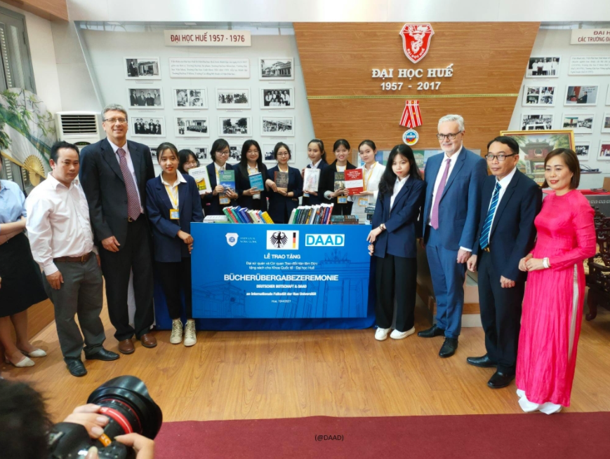 German Embassy promotes academy, research and culture exchanges with Thua Thien Hue