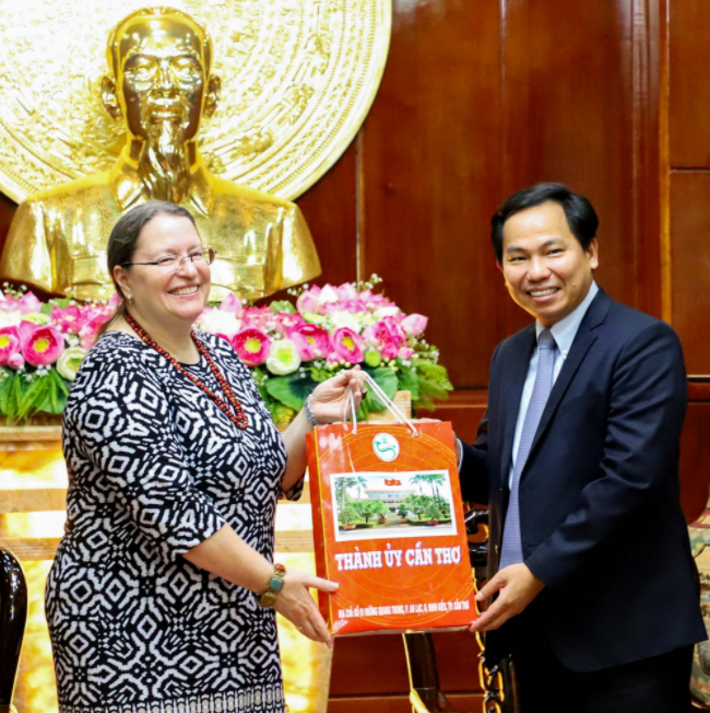US Consul General in HCMC hopes to cooperate with Vietnam in human resource development