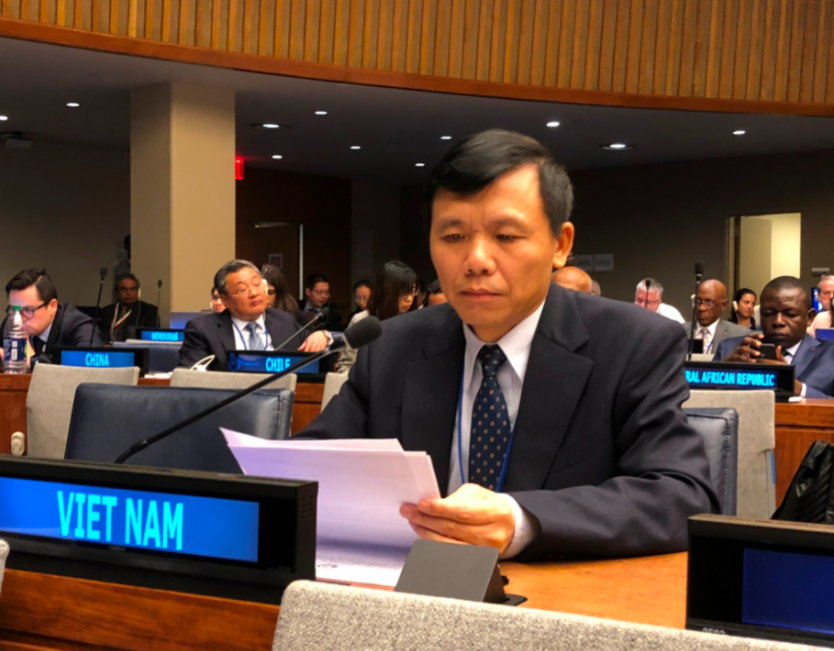 Vietnam backs initiatives to promote Middle East peace process