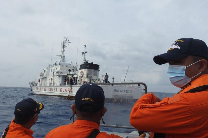 Philippines coast guard holds drills in Bien Dong Sea