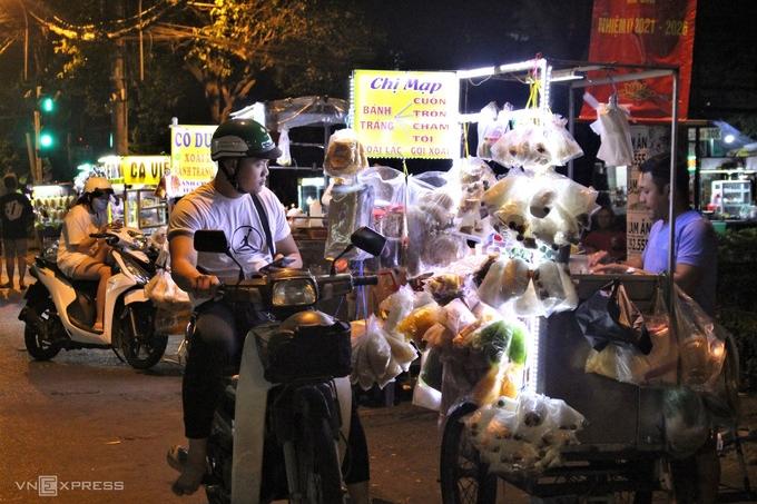 Thanh Da Peninsula - Meeting point to enjoy Saigon's nightlife