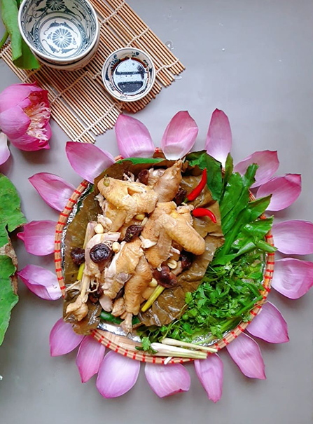 Recipe: Chicken steamed in lotus leaves, with video