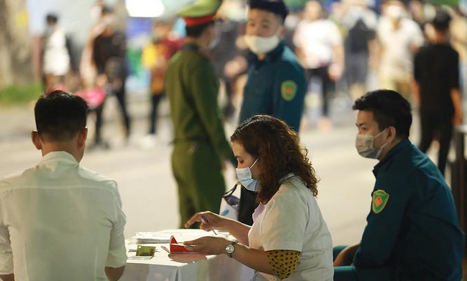 Vietnam COVID-19 Updates (May 5): Quang Ninh tests pandemic-safety violations fines through camera