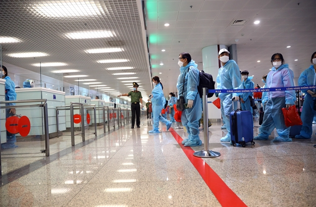 Electronic tags monitoring COVID risk proposed to be attached on foreign arrivals